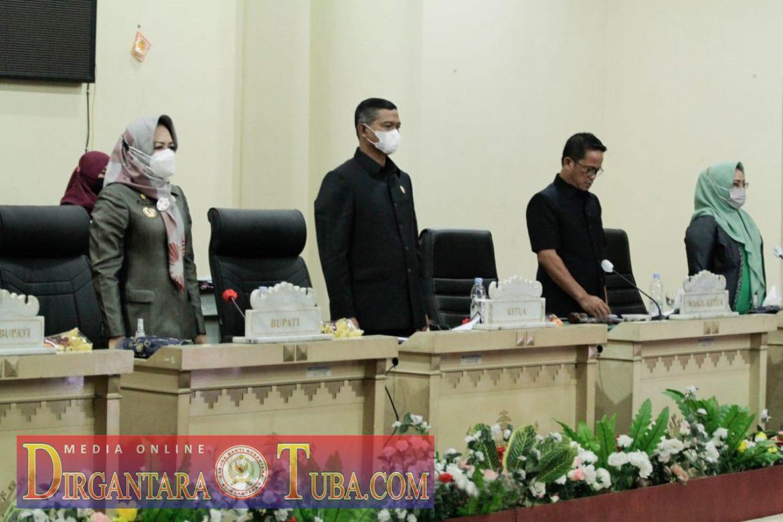Bupati Dr Hj Winarti, SE., MH Hadiri Rapat Paripurna DPRD Tuba Tingkat I